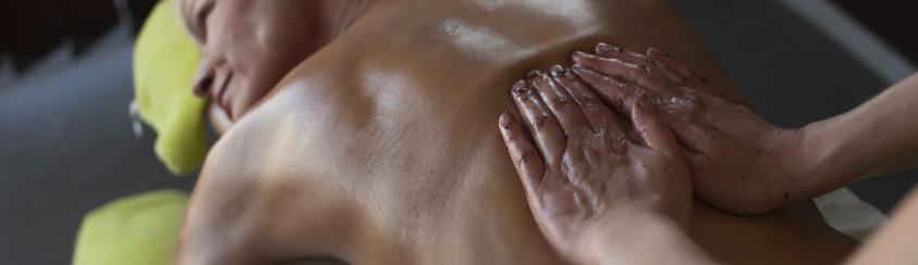Honey massage in Estonian Spas