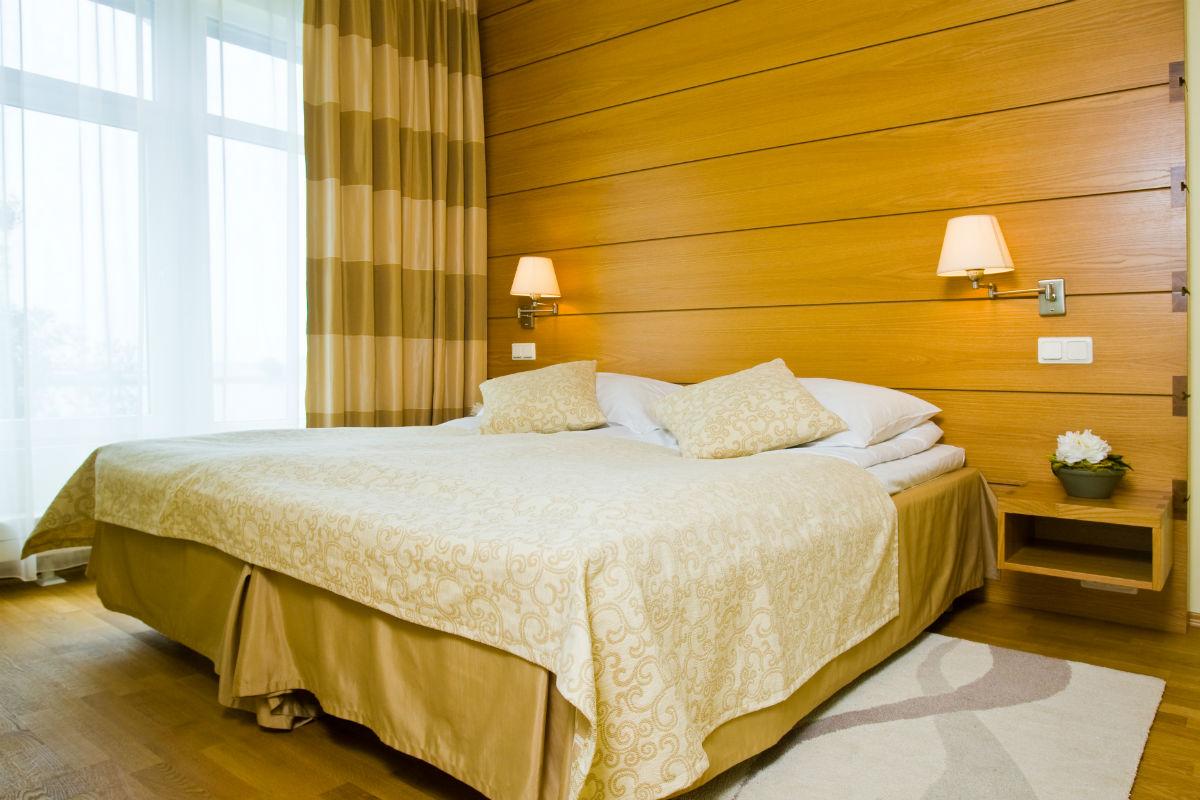 tallink city hotel arvostelu lihava alaston nainen